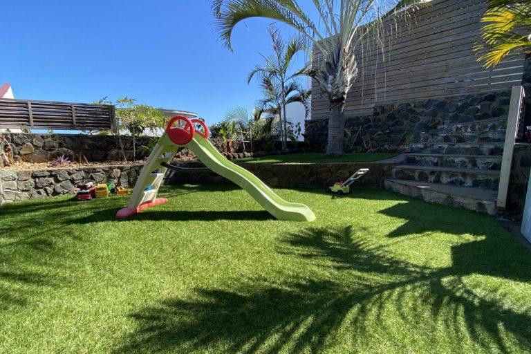 jardin en gazon synthétique