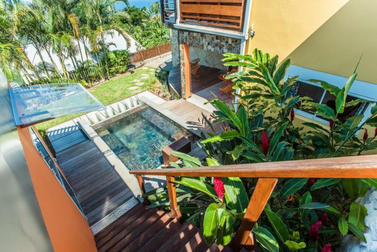 Aménagement jardin d'une villa avec piscine